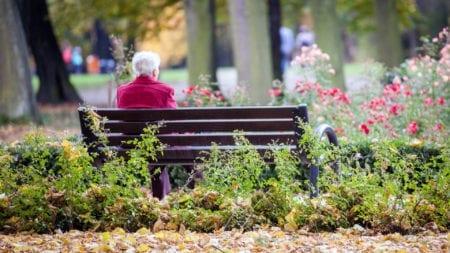 senior alone how to avoid social isolation
